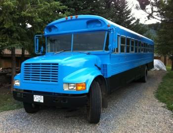 Porky Blue Bus